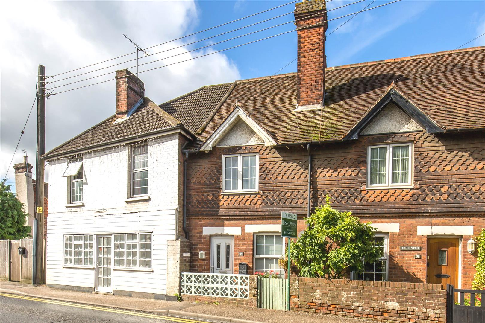 2 Bedrooms Terraced House for sale in London Road, Westerham